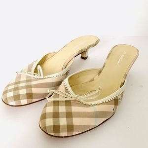 Burberry Kitten Heeled Mules with White Bows EUC
